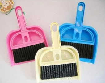 Small Brooms Whisk Dust Pan Table Keyboard Notebook Dustpan + Brush 1 Set