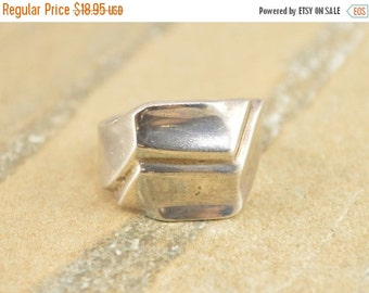 ON SALE Asymmetrical Modern Geometric Grooved Ring Size 7.75 Sterling Silver 6.9g Vintage Estate