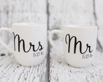 Mr & Mrs Mugs // Bride and Groom Mugs // Custom Wedding Gift // Coffee Mugs
