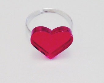 OUTLET - Red heart laser cut ring