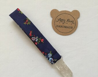 Dummy clip (navy floral)