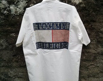 vintage 90s Men's Tommy Hilfiger Big Logo Shirt. cotton Short Slevee. Sz Medium Big