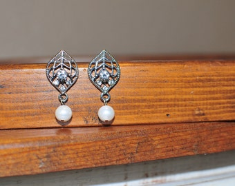Silver Rhinestone Earrings, Pearl Earrings, Silver Earrings, Wedding Jewelry, Bridal Jewelry