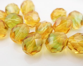 Czech Faceted Fire Polished Topaz/Green 8mm (18 pcs)