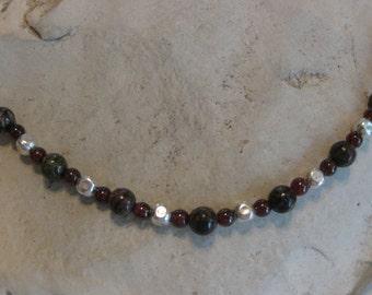 Agate & garnet bead necklace