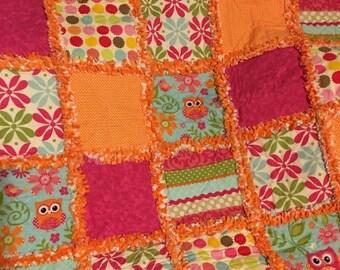 Bright Owls crib rag quilt