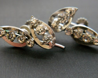 "Vintage Krementz Rhinestone Leaf Earrings Screw Back Silver Tone Signed 1"" Delicate Mid Century Costume Jewelry"