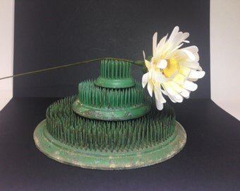 """Set Vintage Flower Frogs, Green, 6"""", 3"""" and 1.5"""""""
