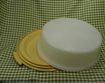 Tupperware Cake Carrier, Cake Keeper, Vintage, cake tote, Pie carrier, Retro, cake keeper, Kitchen storage, Retro kitchen, Harvest Gold