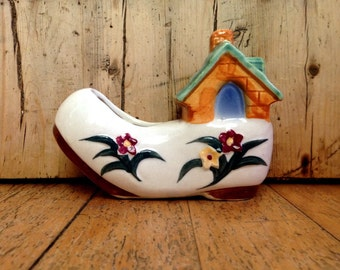 Ceramic house boot ornament made in occupied Japan, vintage boot planter