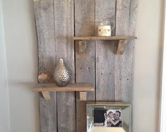 Vertical rustic pallet shelf