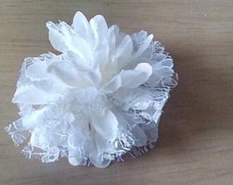 Fabric flower hairclip