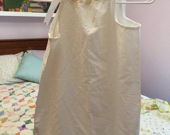 Daisy Pillowcase dress size 5-7 approx