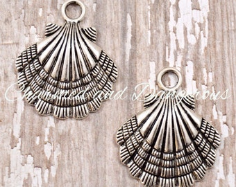 10 pewter Large Clamshell charms (CM229)