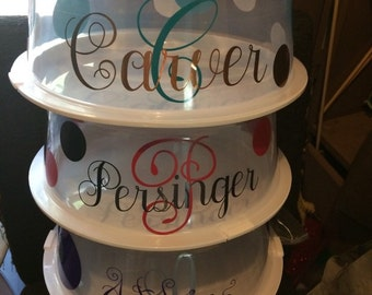 Personalized cake holder