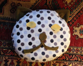 "Cushion for cat ""cat head"""