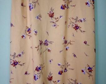 1990s, plussize,XXlarge,Xlarge,1X,size20,yellow,ochre,floral skirt,midiskirt,springskirt,bohemian,festival,vintage