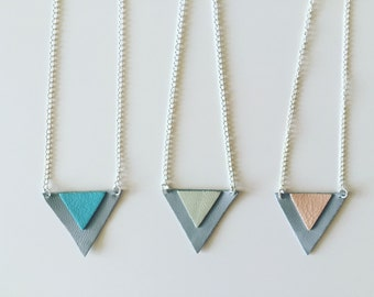 Collar Triangle silver lambskin pink and grey