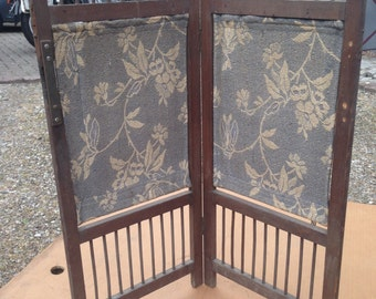 Beautiful mini folding screen in wood and fabrics