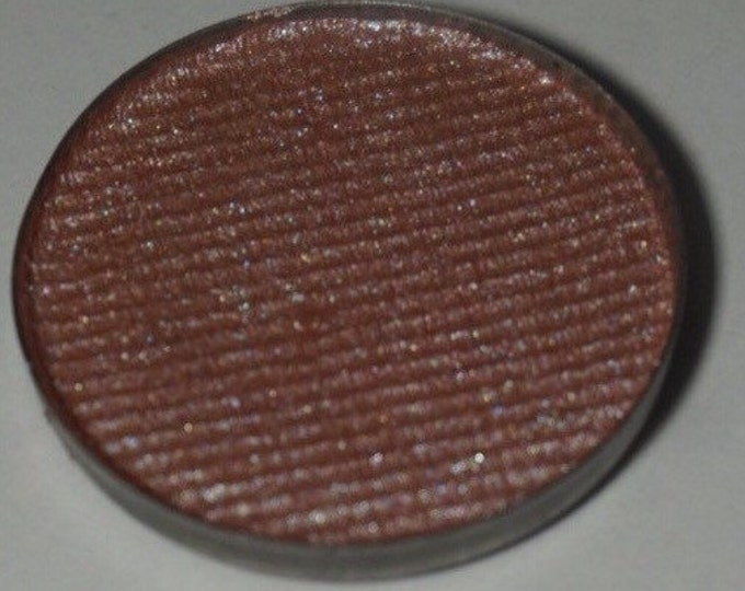 Harley Grace eyeshadow - warm to cool toned duochrome pink