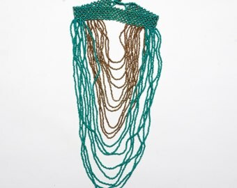 Necklace greenhouse neck green and gold made in Kenya