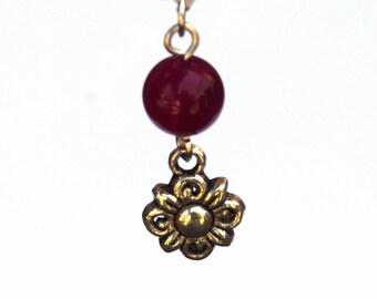 Agate and Flower charm necklace - Fuchsia agate gemstone - Tibetan silver flower charm