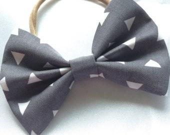 Bermuda triangle classic bow