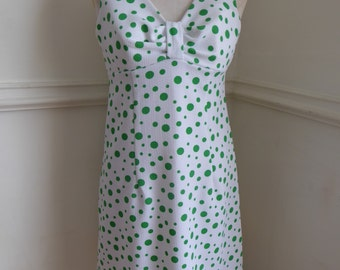 VINTAGE 1960's dress white & green spotted sleeveless above knee length size 10/12