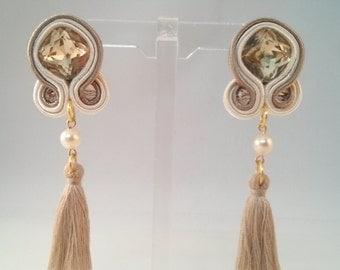 Earrings pearl earrings gold glitter gilded beige metal tassel bride