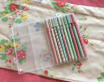 Set of 10 coloured gel pens