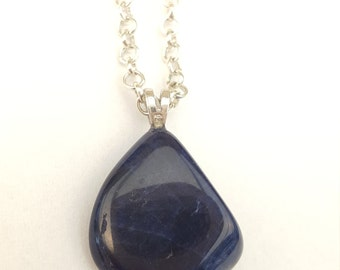 Necklace and its semi-precieuse SODALITE stone