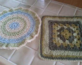 Crochet table mats
