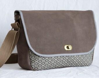Shoulder bag leather and cotton