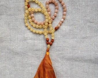 "Mala ""joie de vivre"" orange Calcite, sunstone, Rudraksha"