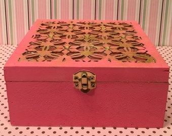 Pink Lattice Box