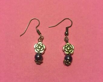 Flower/glass pearl bead earrings