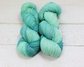 Hand Dyed 4 ply Fingering Sock Yarn 100 % Superwash BFL Merino - Mint Julep