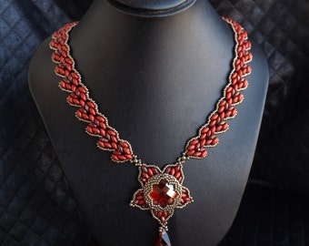 "Collier handweaving Swarovski ""Crystal red magma"""