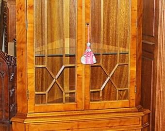 Incredibly Beautiful Yew Wood English Inlaid Georgian Corner Cabinet Cupboard