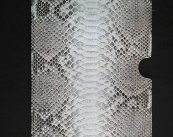 Tablet iPad cover real Python