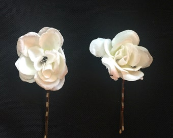 Bridal hair clips babys breath bobby pins white flower hair pins bridal hair accessories white flower pins hair accessories