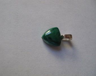 Malachite from USA 10mm 2.84cts set in a sterling silver plated pendant MSS-150