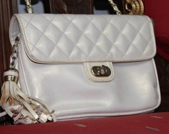 Vintage Via Piaggi Quilted Ladies Purse with gold Chain