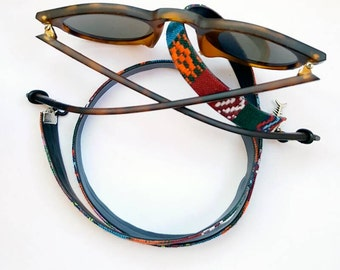 Cord hangs up goggles Nuoro