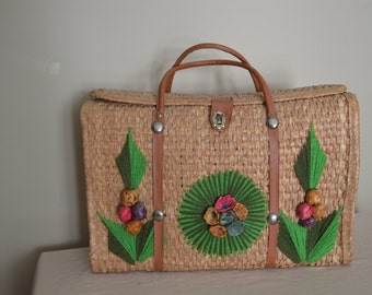 60s 70s Large Woven Straw Tote Bag with Yarn and Raffia Detail