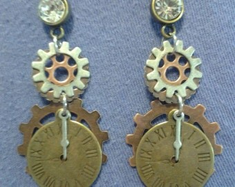 Steampunk style clcok & gear earrings