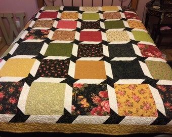 Queen size quilt- Garden of Roses-Sale!!!! Free shipping!!
