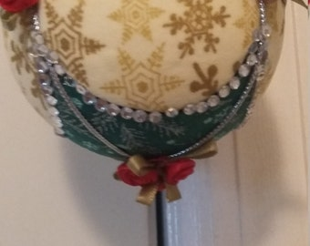 Xmas Decoration REd Green and Cream