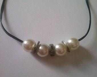 Pearl Necklace with mother and rings / / recycling necklace / / recycled jewelry / / eco friendly / / mother