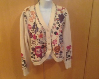 This vintage embroidered cardigan large